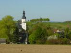 Blick von der Beerwalder Höhe zur Pretzschendorfer Kirche