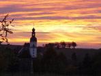 Abendrot hinter der Pretzschendorfer Kirche