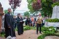 Pfarrer Heinemann, Pfarrerin Münch und Siegfried Funke bei der Weihe der kleinen Glocke
