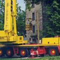 17. Juni 1999: Ein großer Kran steht vor der Kirche...