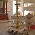 Kurz vorm Erntedankfest 2007 ist die Restaurierung abgeschlossen und der Kronleuchter kann wieder aufgehängt werden.