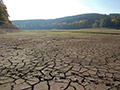 11.10.2008: Leeres Staubecken im südlichen Teil der Talsperre